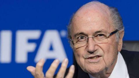 Joseph Blatter dice que Qatar podría no tener su Mundial