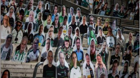 Equipo en Alemania llena tribuna de su estadio con imágenes de cartón