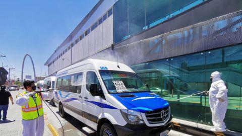 Ayuntamiento y sociedad civil sanitizan 173 unidades del transporte público