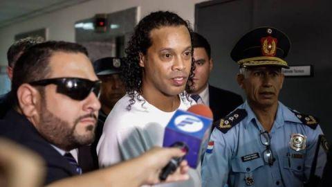"""Ronaldinho: """"Estar en la cárcel ha sido muy duro"""""""