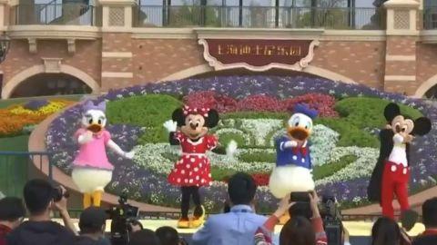 VIDEO:Así se vivió la reapertura de Disney Shanghai, luego de contingencia Covid