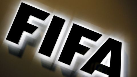 FIFA enfrenta otro escándalo de abuso sexual en futbolistas