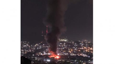 Se incendia Central de Abasto de Oaxaca; solicitan pipas