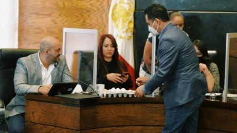 #LordHuevos 🥚   Diputado de Durango entrega huevos a sus homólogos