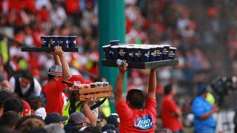Falta de venta de cerveza haría que equipos de la Liga MX pierdan mucho dinero