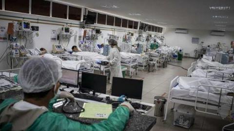 EE.UU. supera los 111.700 muertos y 1,97 millones de contagios de COVID-19