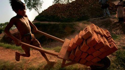 ONU teme que COVID acabe con 20 años de progresos contra el trabajo infantil