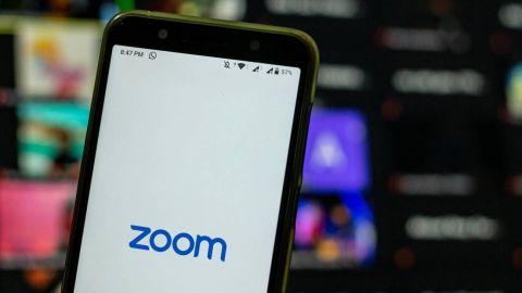 Zoom cerró cuentas de activistas, admitió la plataforma.