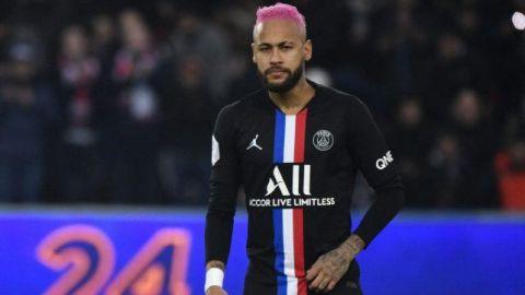 Neymar regresa a Francia tras tres meses en Brasil