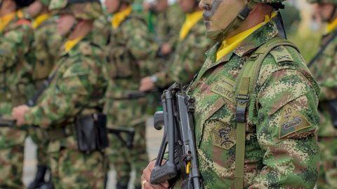 Siete soldados colombianos aceptan cargos por violación de una niña indígena