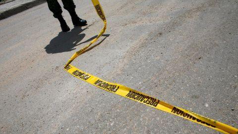 Encuentran por lo menos 15 cadáveres apilados en una carretera en Zacatecas