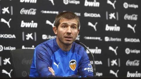 Valencia cesa al técnico Albert Celades