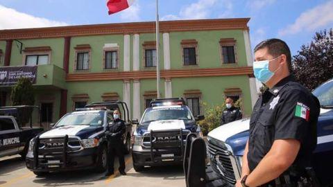Entregan patrullas a la policía municipal del distrito San Antonio de los Buenos