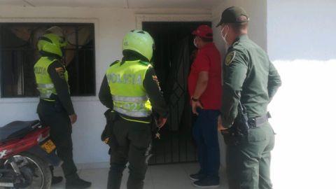 Por fiestero y romper la cuarentena alcalde arresta a su hijo
