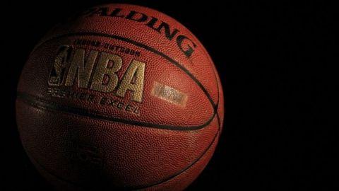 NBA avala mensajes de protesta en sus jerseys