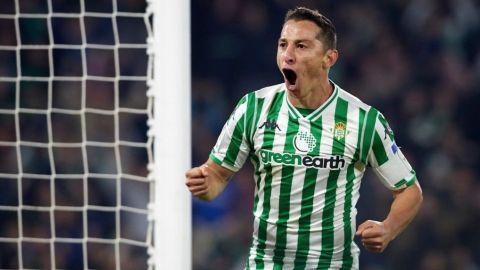 Andrés Guardado rompe récord de Sánchez y Márquez