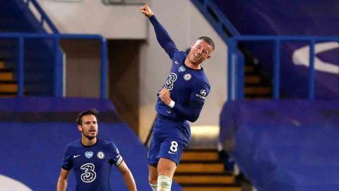 Chelsea se aferra a la cuarta plaza en Inglaterra