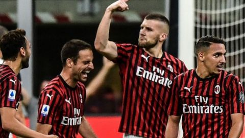 Juventus desperdicia ventaja y cae ante el Milan