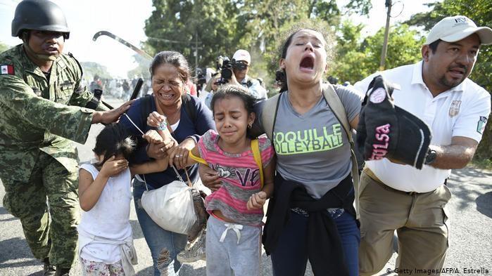 México deporta a 129 migrantes hondureños que harán cuarentena por COVID-19