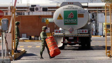 Personal de Pemex participa en huachicoleo y hackeos