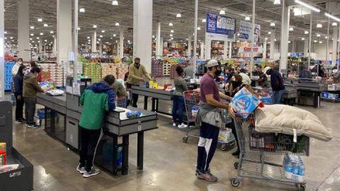 Walmart exigirá cubrebocas a todos sus clientes en Estados Unidos