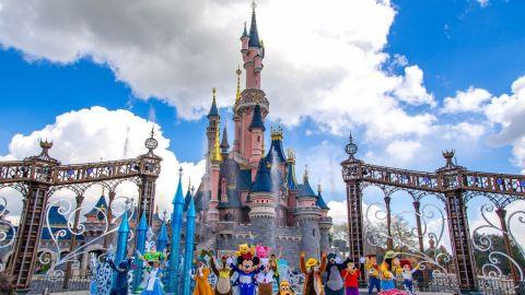 Mascarillas y Mickey: Disneyland París reabre después de cuatro meses