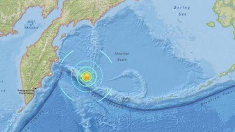 Terremoto de 7.8 grados sacude Alaska
