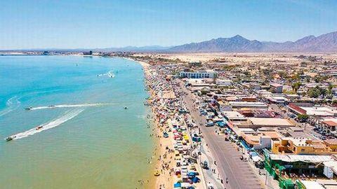 Abre al turismo la Playa del Golfo de Santa Clara