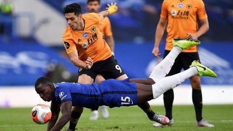 El Chelsea, sin Kepa, aparta a Raúl Jiménez de la Europa League