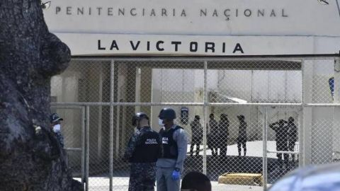 Reos en una cárcel en Bolivia se amotinan pidiendo asistencia médica