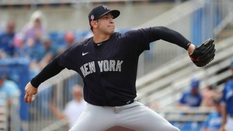 Pitcher mexicano de Yankees con Coronavirus