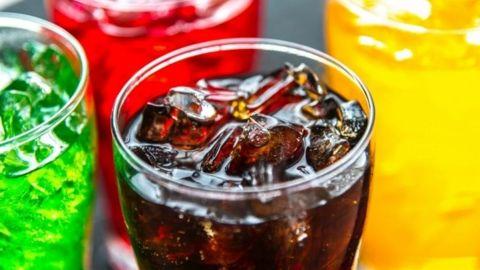 Oaxaca prohíbe la venta de refrescos y alimentos chatarra