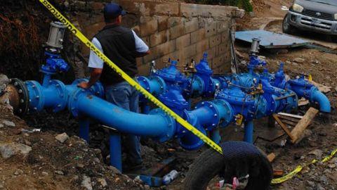 Colonias sin agua por reposición de sistemas de Cespe