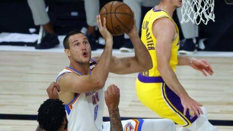 Thunder vence a unos Lakers en una mala noche ofensiva