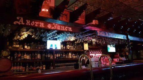 Sólo reabrirán bares autorizados este fin de semana