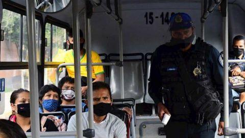 México acumula más de 53,000 decesos por coronavirus