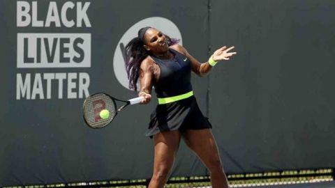 Serena Williams tiene regreso triunfal a la WTA