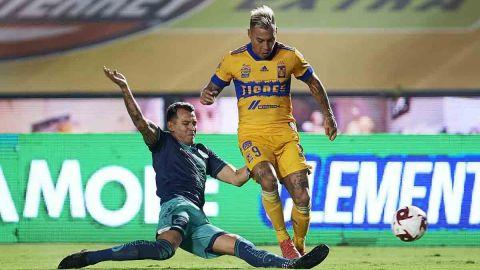 VIDEO: Tigres asalta la cima del torneo al vencer a Puebla
