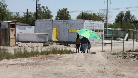 Residentes de los Santorales exigen pavimentación y seguridad