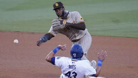 Pitchers y Turner impulsan blanqueada de Dodgers ante Padres