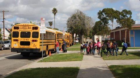 Aprueban 7 escuelas para retomar clases presenciales en San Diego