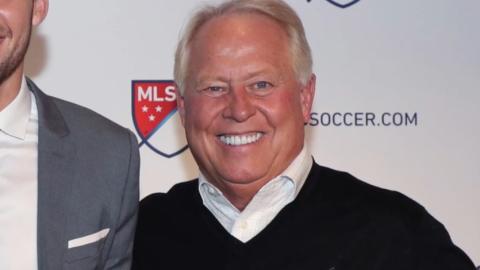 Dueño de equipo de MLS lo venderá tras reportes de racismo