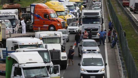 Concluye en Chile la polémica huelga de camioneros tras acuerdo con Gobierno