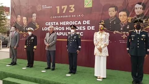 Realizan guardia en monumento a niños Héroes