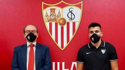 Sevilla anuncia llegada de argentino Marcos Acuña