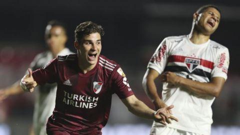Dos goles en contra opacan regreso de River a Libertadores
