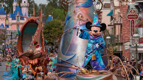Disney dice a California que ''es hora'' de permitir la reapertura de Disneyland
