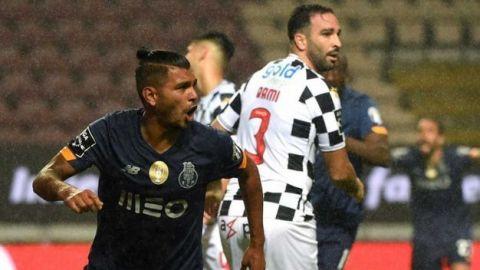 'Tecatito' Corona traza la goleada del Porto