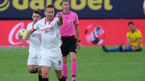 El Sevilla vence al Cádiz en un final trepidante