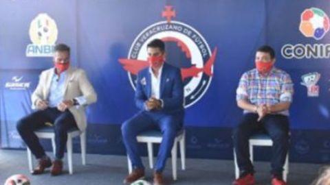 Presentan oficialmente el proyecto del Club Veracruzano de Fútbol Tiburón